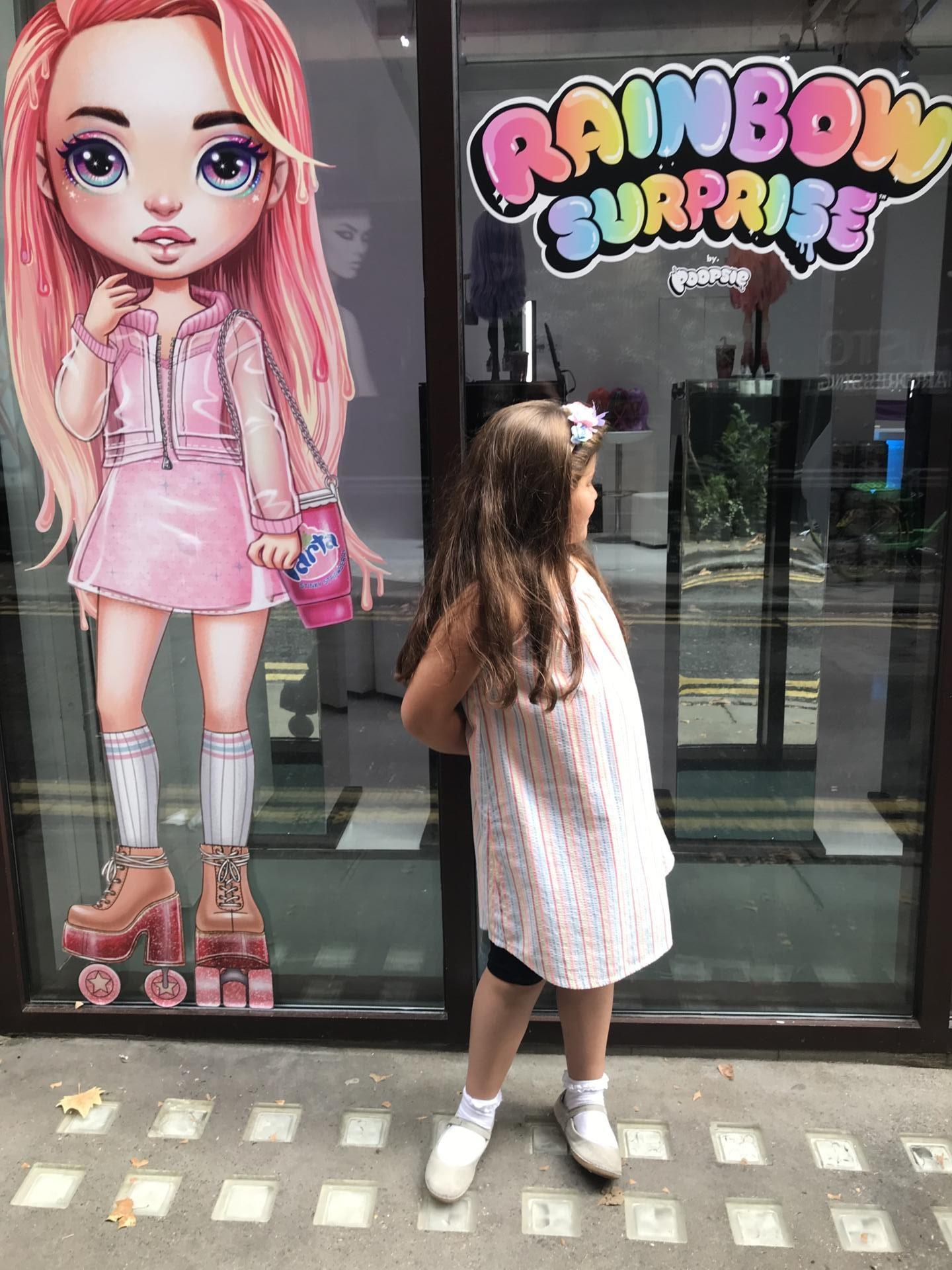 Poopsie Rainbow Surprise VIP Poop-Up Boutique