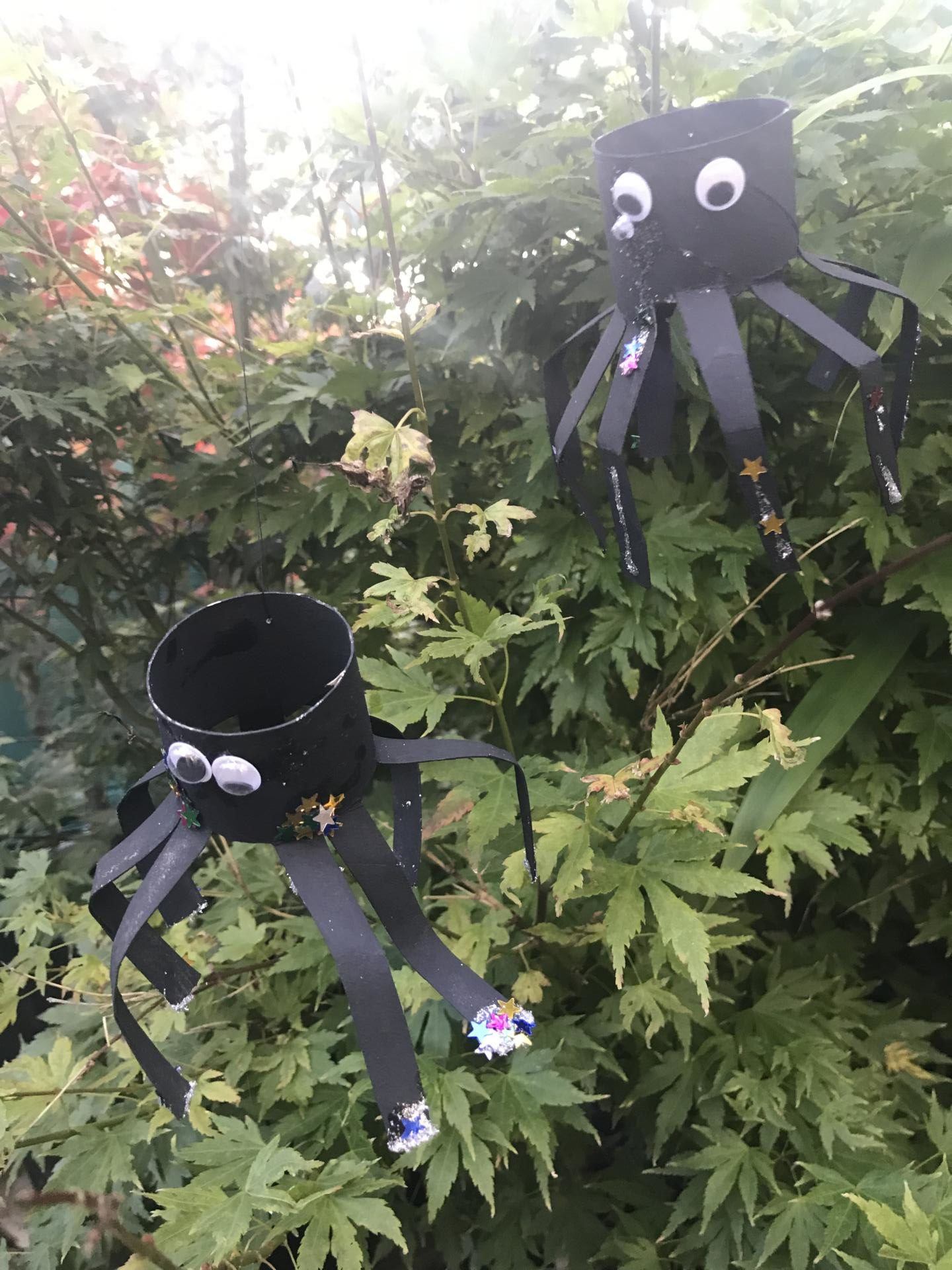 How to make BOO-TASTIC Halloween spiders - Autumn crafts