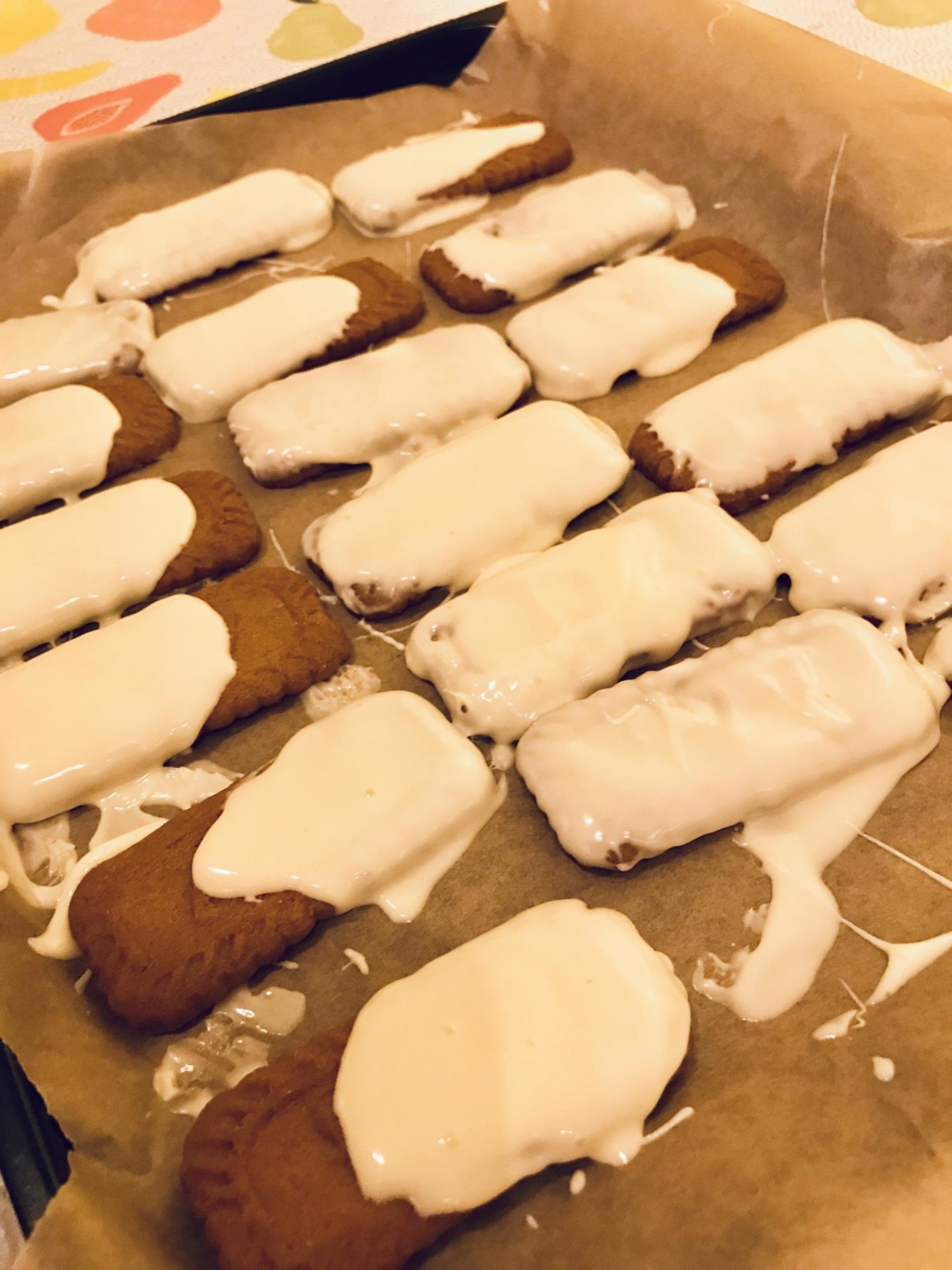 How to make Halloween ghost biscuits